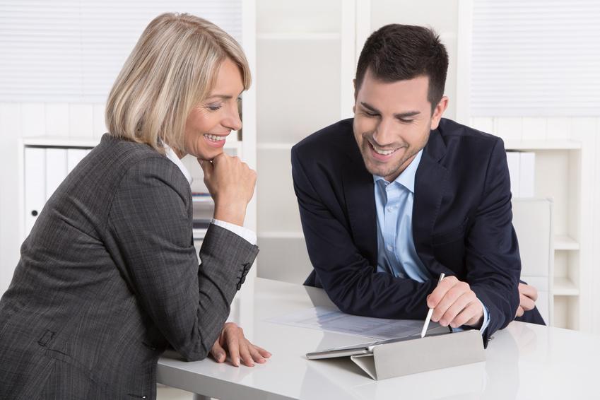 Kunde und Berater in einem Beratungsgesprch